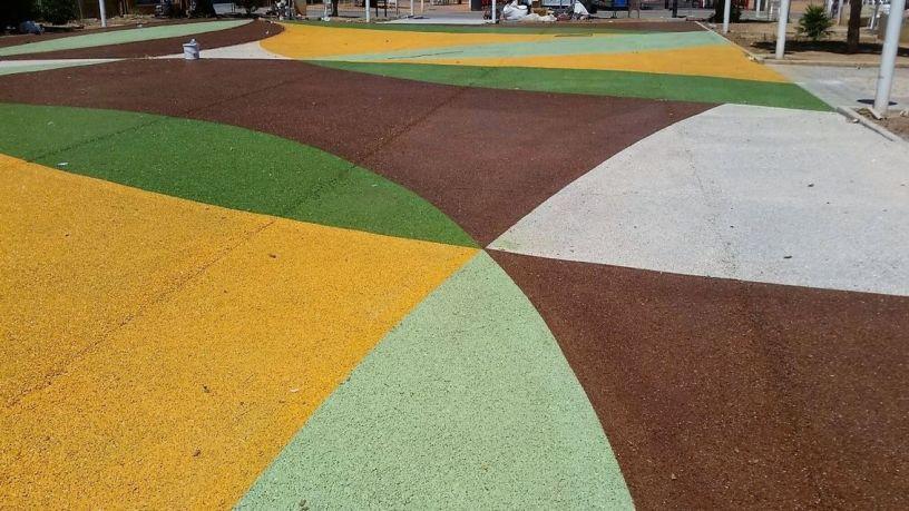 Pavimento de hormigón drenante en plaza mayor de Almussafes, Valencia