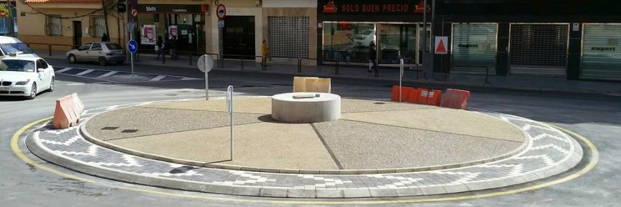 Rotonda de Hormigón Desactivado Fotoluminiscente en Lorca (Murcia)