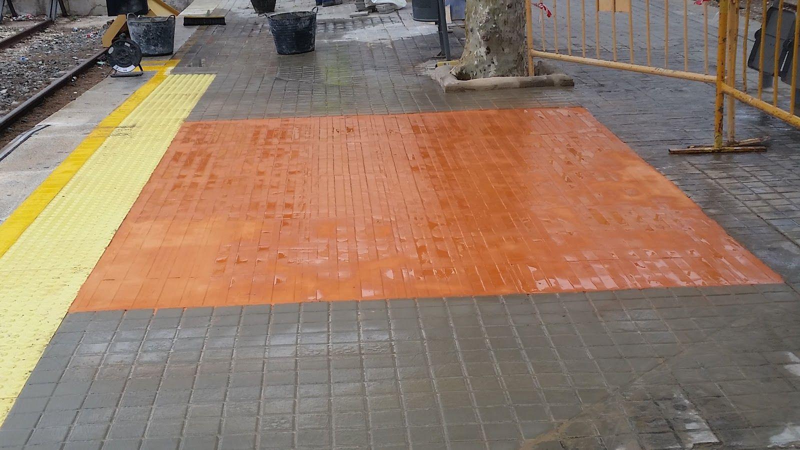 Pavimento impreso de color naranja