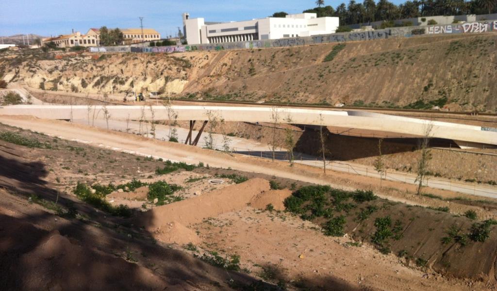 Puente sobre río Vinalopo en Elche